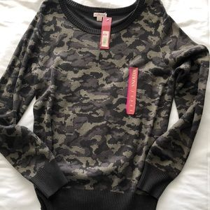 NWT Camo Sweater